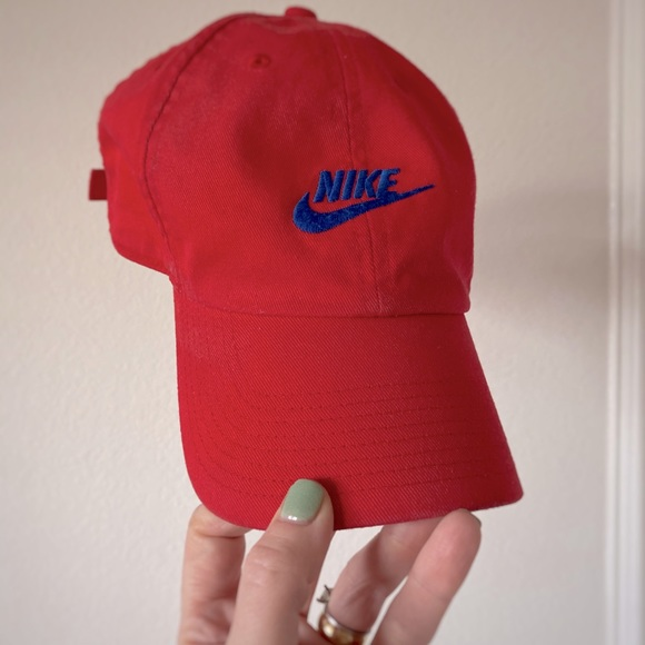 Nike Heritage 86 Red and Blue Hat